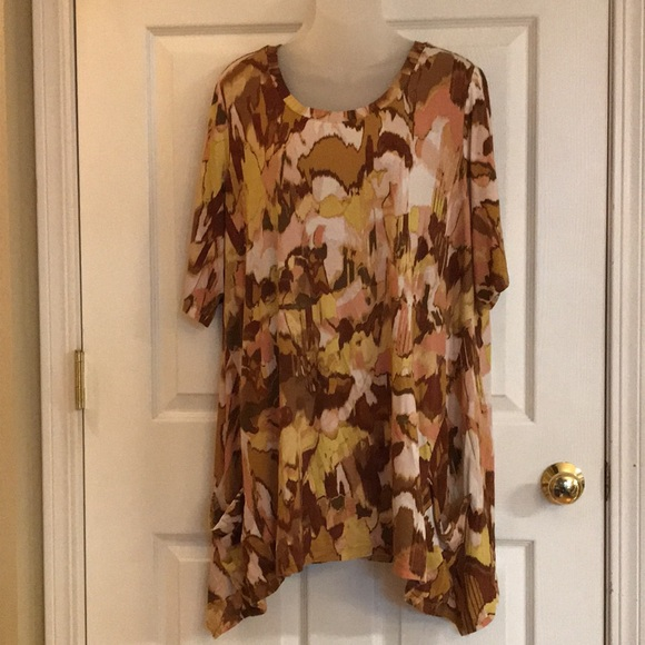 LOGO by Lori Goldstein tunic top with pockets 1x